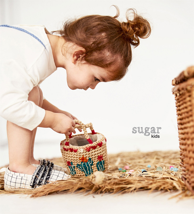 sugar and children Children and sugar can be a toxic mess: from bad behavior to craving more and more but can you really avoid letting your kid become a sugar fiend maybe.